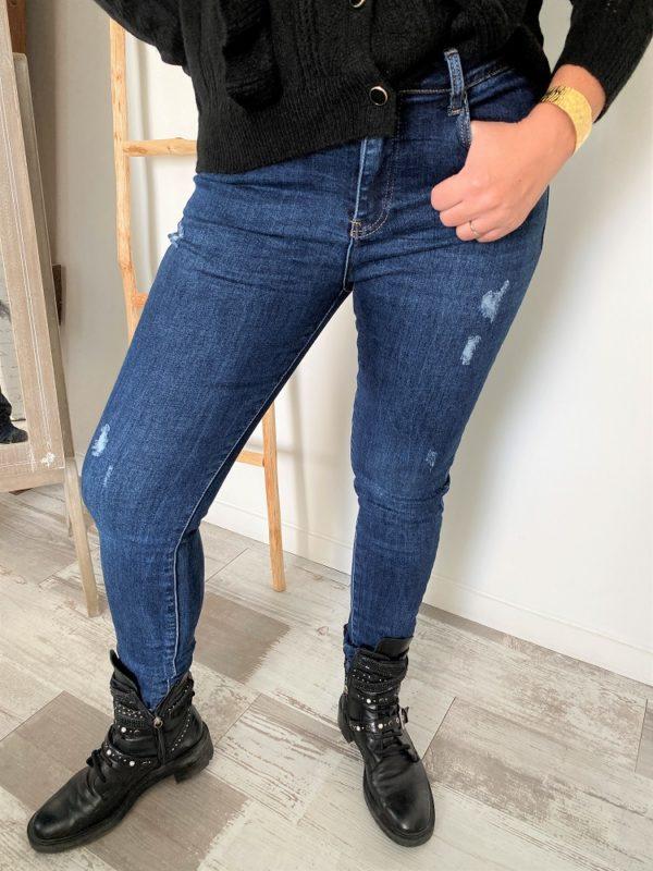 jeans_femmes_destroy_grande_taille_curvy_collection_jeans_et_pantalons_madame_citadine