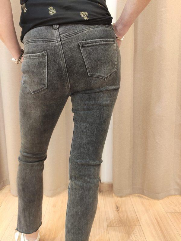 jean_gris_antracite_regulard_coupe_droite_sans_ourlet_jeans_et_pantalons_madame_citadine